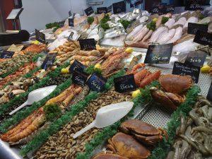 les halles aux poissons et fruits de mer de trouville